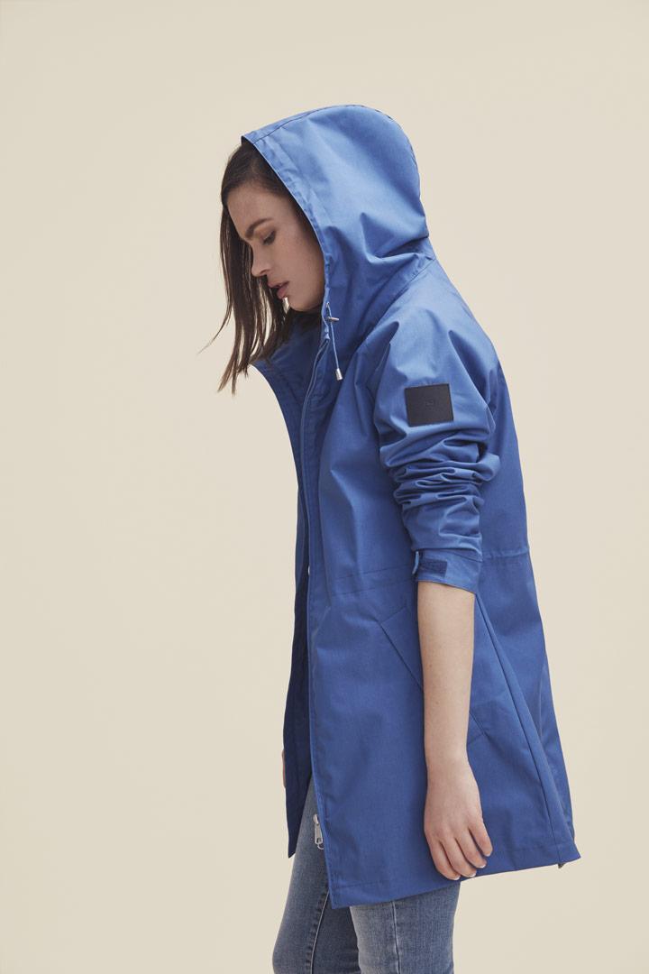 Makia — jarní parka s kapucí — dámská bunda — modrá — jaro/léto 2019