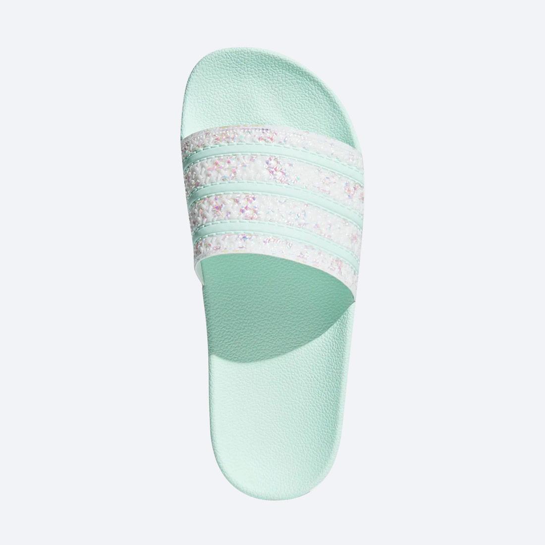 adidas Originals Adilette — dámské pantofle — nazouváky — světle zelené, pastelové — perleťové, zdobené