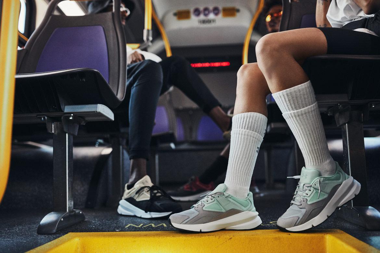 Under Armour Forge 96 — boty — šedé, světle zelené (foam/mod grey) — černé, béžové (barley/black) — tenisky — sneakers