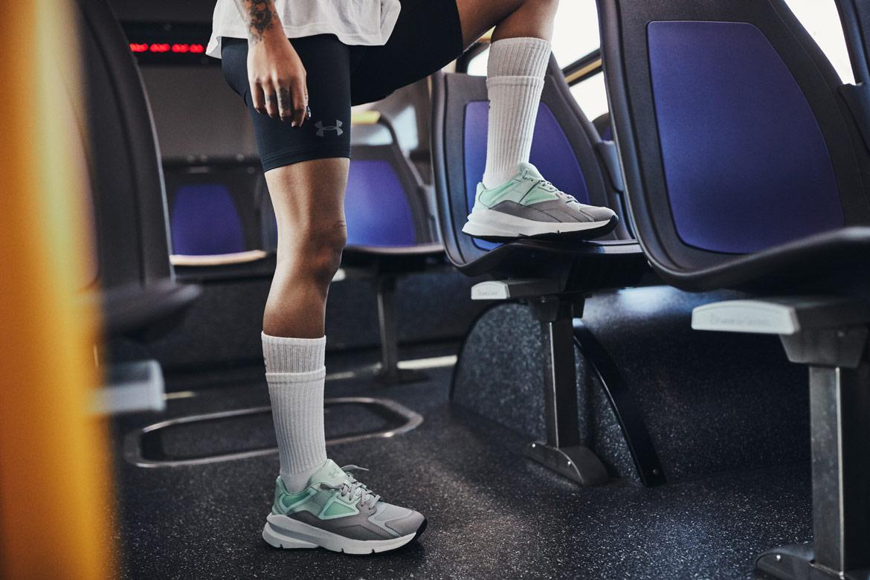 Under Armour Forge 96 — boty — šedé, světle zelené (foam/mod grey) — tenisky — sneakers