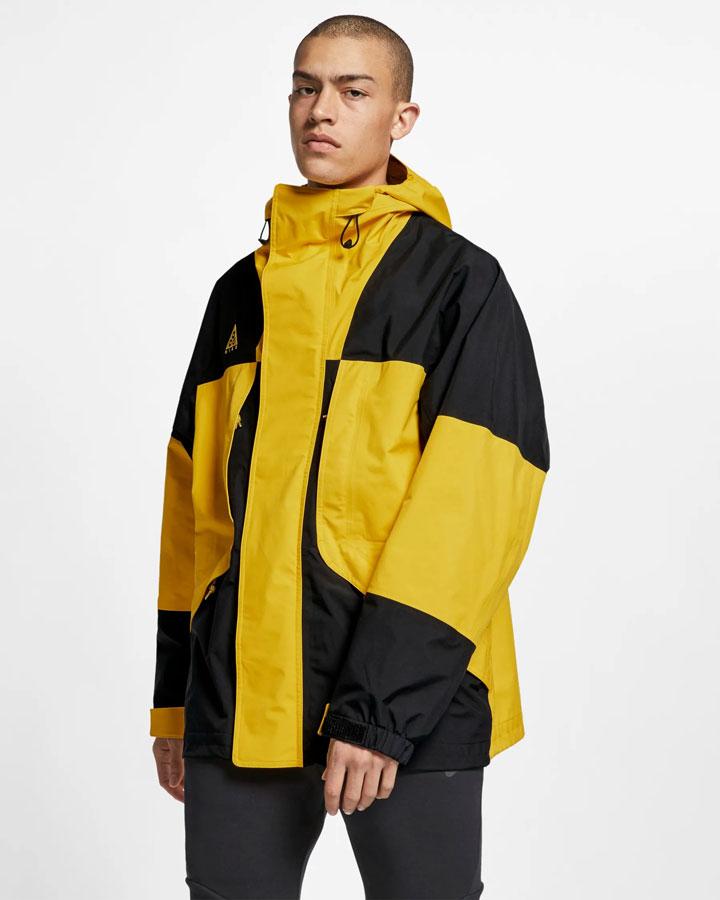 Nike ACG GORE-TEX® — jarní outdoorová bunda s kapucí — žlutá — pánská — jaro 2019