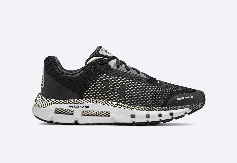 Under Armour HOVR Infinite — Wide (4E) — běžecké boty — tenisky — černé/šedé (Black/Pitch Gray) — pánské — running shoes
