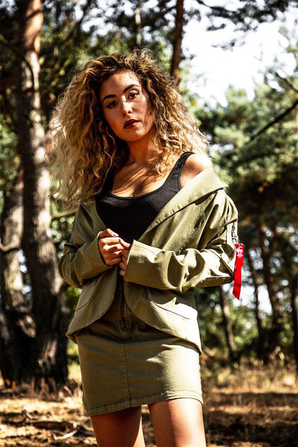 Alpha Industries — jarní bavlněná bunda — dámská — zelená (army green)