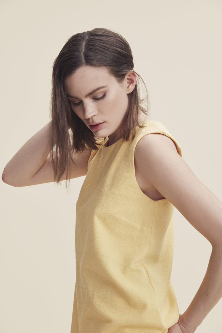 Makia — žlutý top bez rukávů — tílko — dámské — jaro/léto 2019