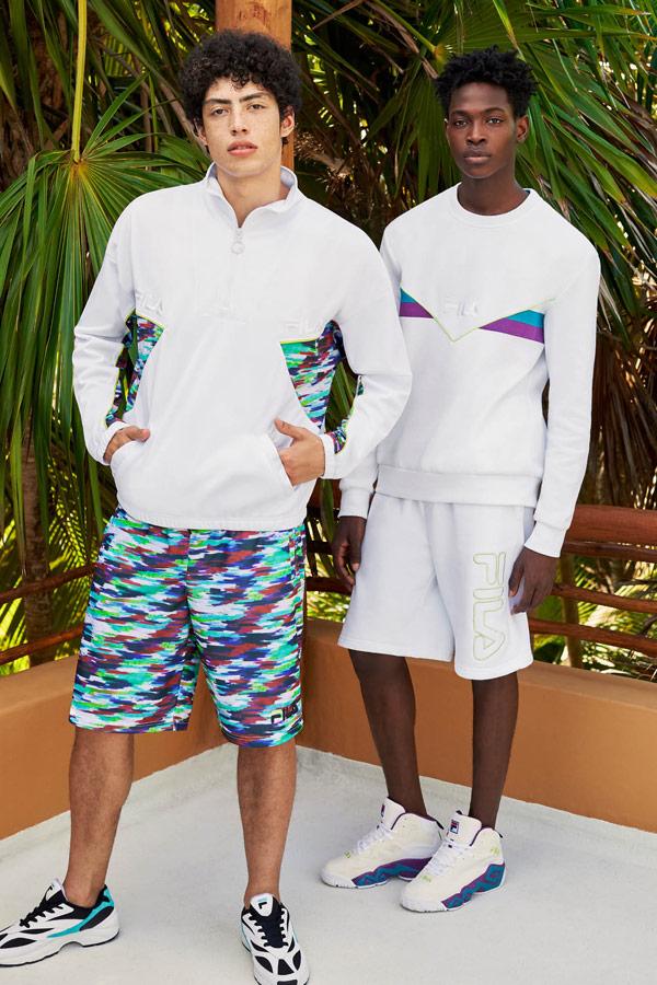 Fila — pánská bílá sportovní bunda s barevným vzorem — pánské barevné šortky se vzorem — pánské bílé šortky — pánská bílá mikina — jaro/léto 2019 — Heritage lookbook