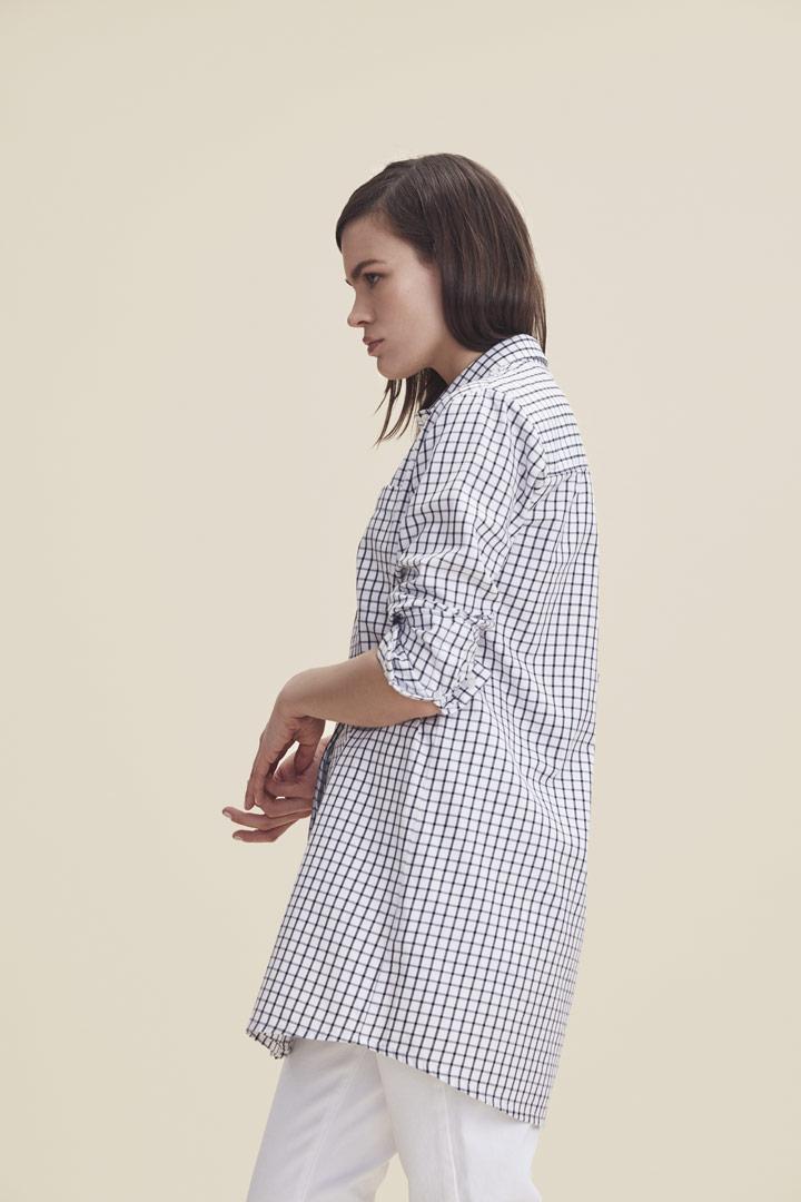 Makia — dlouhá košile s mřížkovým vzorem — kostkovaná — modro-bílá — dámská — jaro/léto 2019