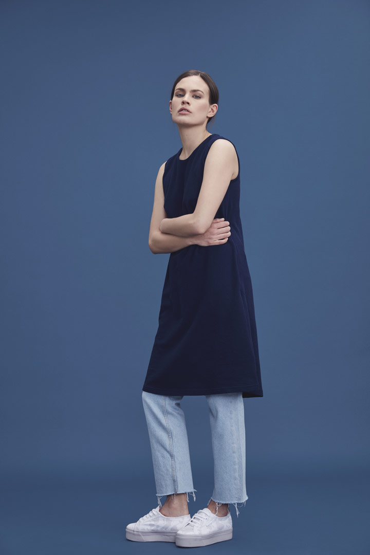 Makia — modré letní šaty bez rukávů — jaro/léto 2019