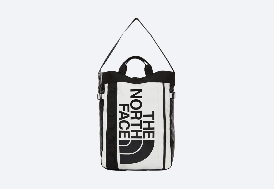 The North Face Base Camp Tote Bag — černo-bílá taška, batoh