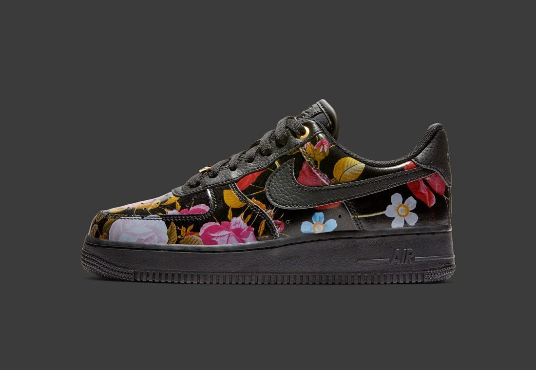 Nike Air Force 1 '07 LXX Floral — dámské boty — černé s květinovým vzorem — tenisky — sneaker