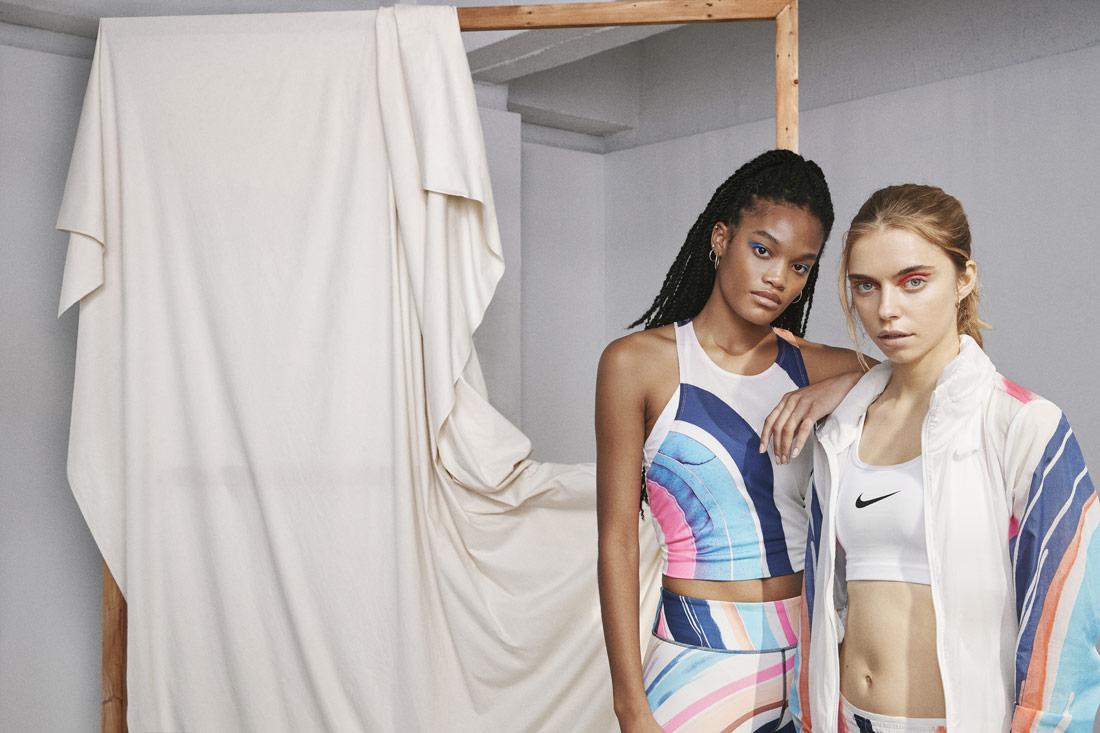 Nike Running Women — běžecké oblečení — barevné — dámské