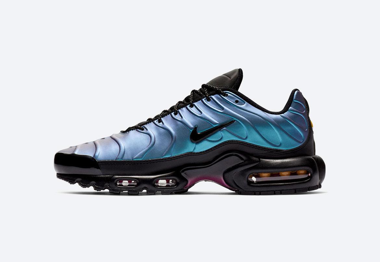 Nike Air Max Plus SE — duhové boty (iridescent) — pánské — tenisky — sneakers — Throwback Future Pack