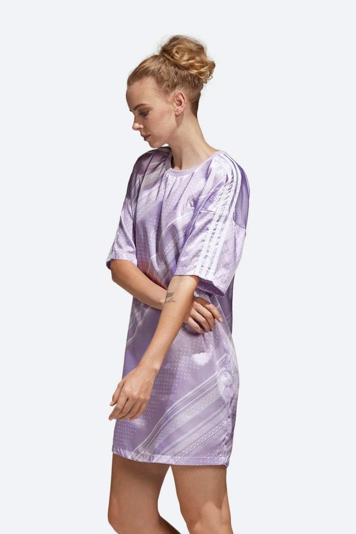 adidas Originals Trefoil — lesklé saténové šaty s geometrickými vzory — letní — dámské — sportovní — světle fialové