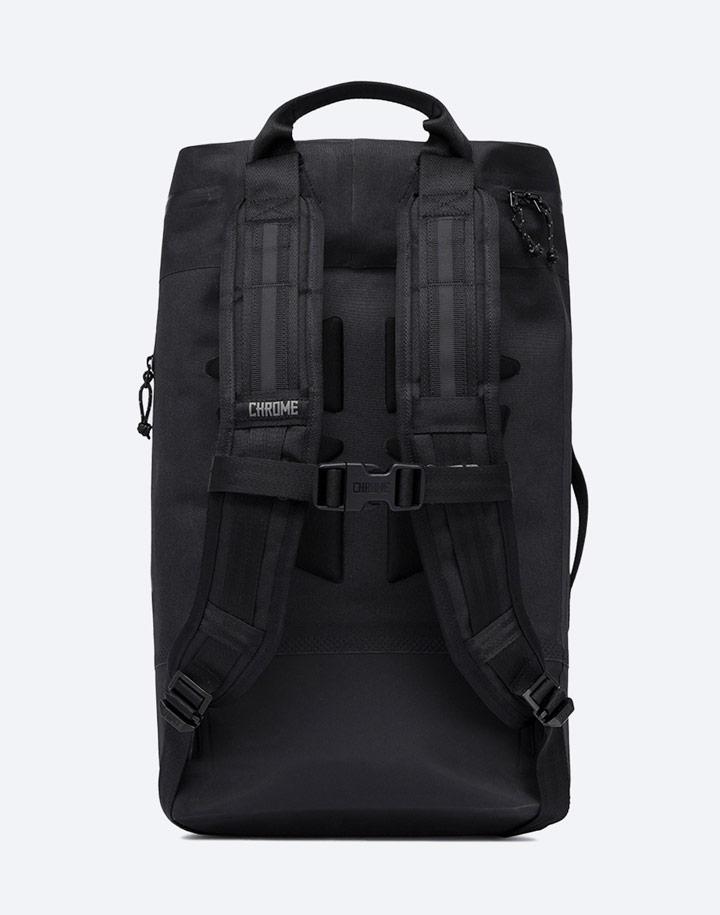 Chrome Industries — městský cyklistický batoh — Urban Ex Gas Can Pack 22 l — urban cyclist backpack — černý — zadní pohled