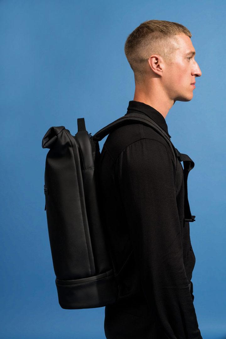 Ucon Acrobatics — černý batoh z umělé kůže — Hajo Pro Backpack — vegan, sustainable