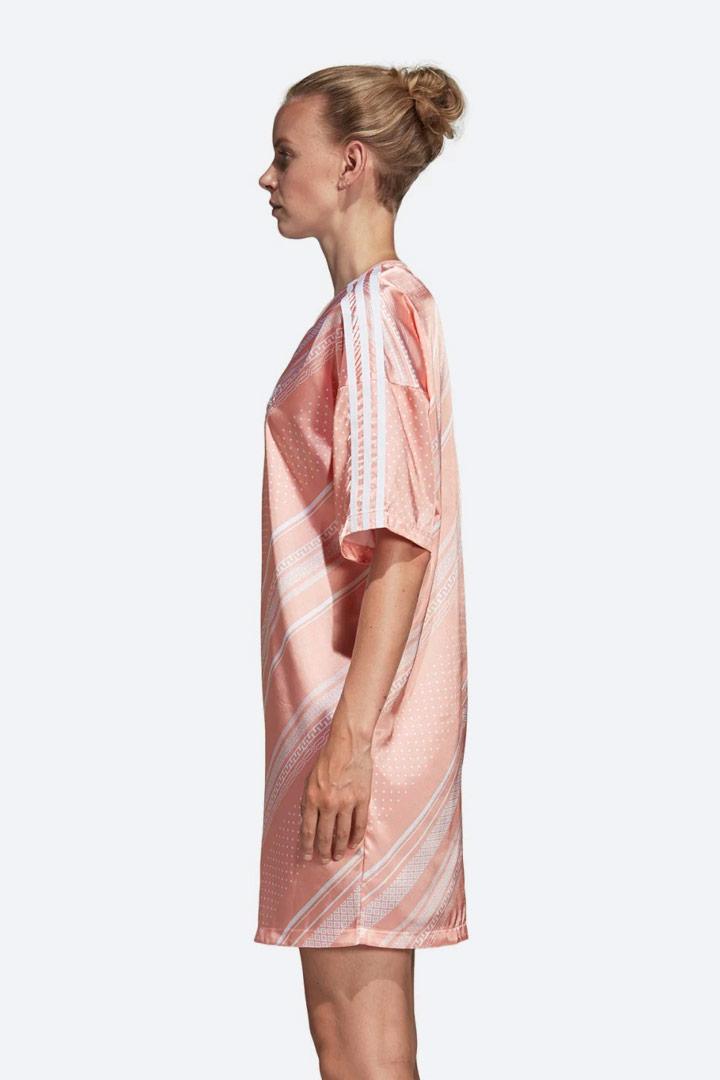 adidas Originals Trefoil — lesklé saténové šaty s geometrickými vzory — letní — dámské — sportovní — oranžové, růžové