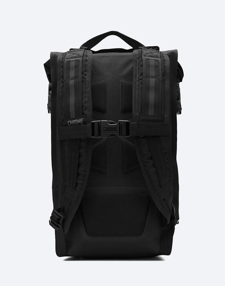 Chrome Industries — městský cyklistický batoh — Urban Ex Rolltop 18 l — urban cyclist backpack — černý — zadní pohled