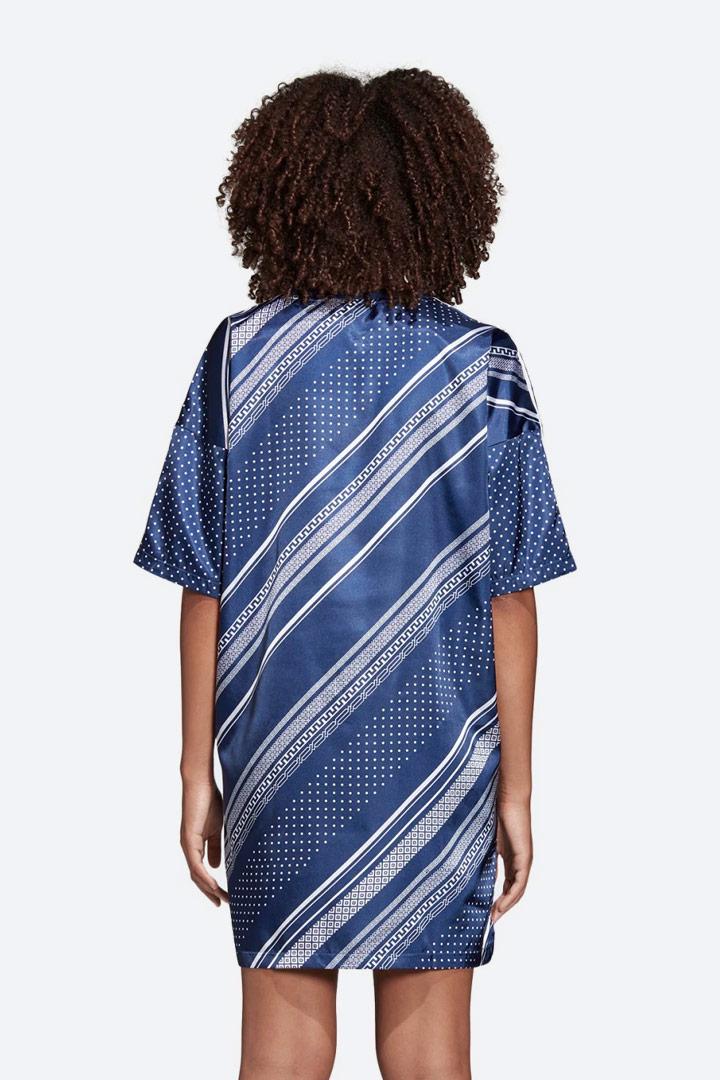 adidas Originals Trefoil — dámské šaty s geometrickými vzory — letní — lesklé saténové — sportovní — modré