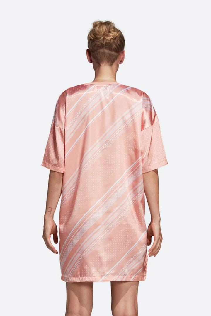 adidas Originals Trefoil — dámské šaty s geometrickými vzory — letní — lesklé saténové — sportovní — oranžové, růžové