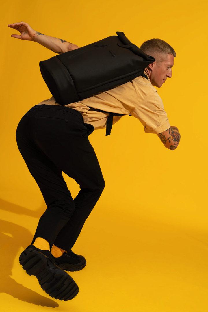 Ucon Acrobatics — roll-top batoh z umělé kůže — černý — Hajo Pro Backpack — vegan, sustainable