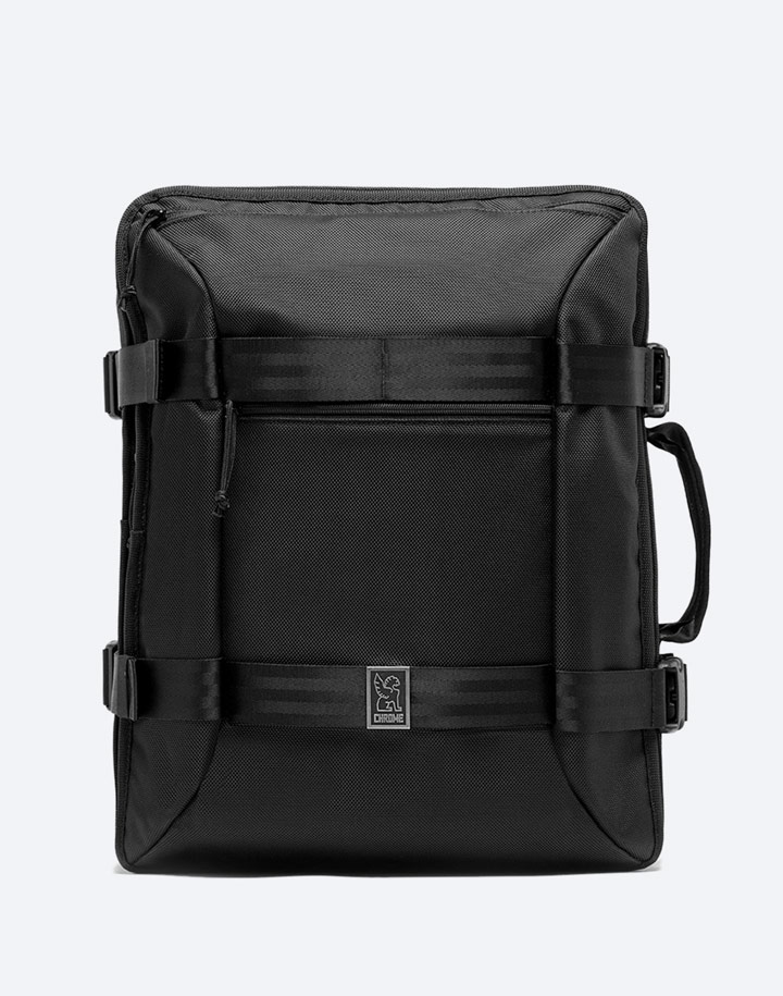 Chrome Industries — městský cyklistický batoh — Macheto Travel Pack — urban cyclist backpack — černý