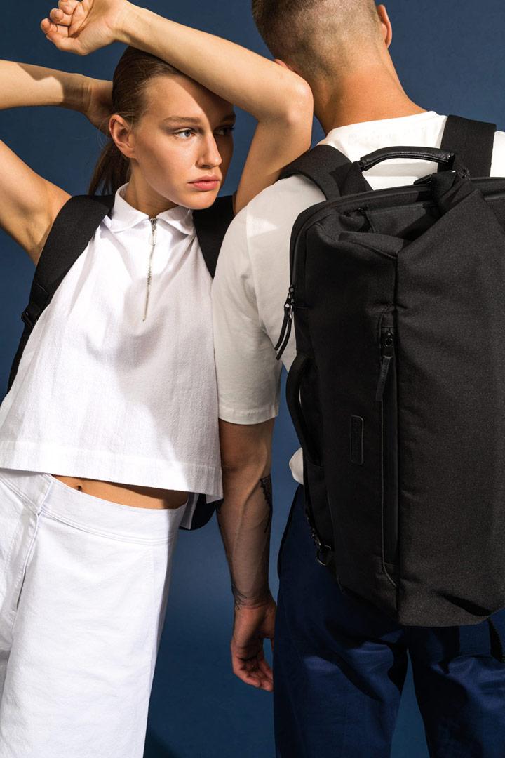 Ucon Acrobatics — plátěný batoh — černý — Rasmus Backpack — vegan, sustainable