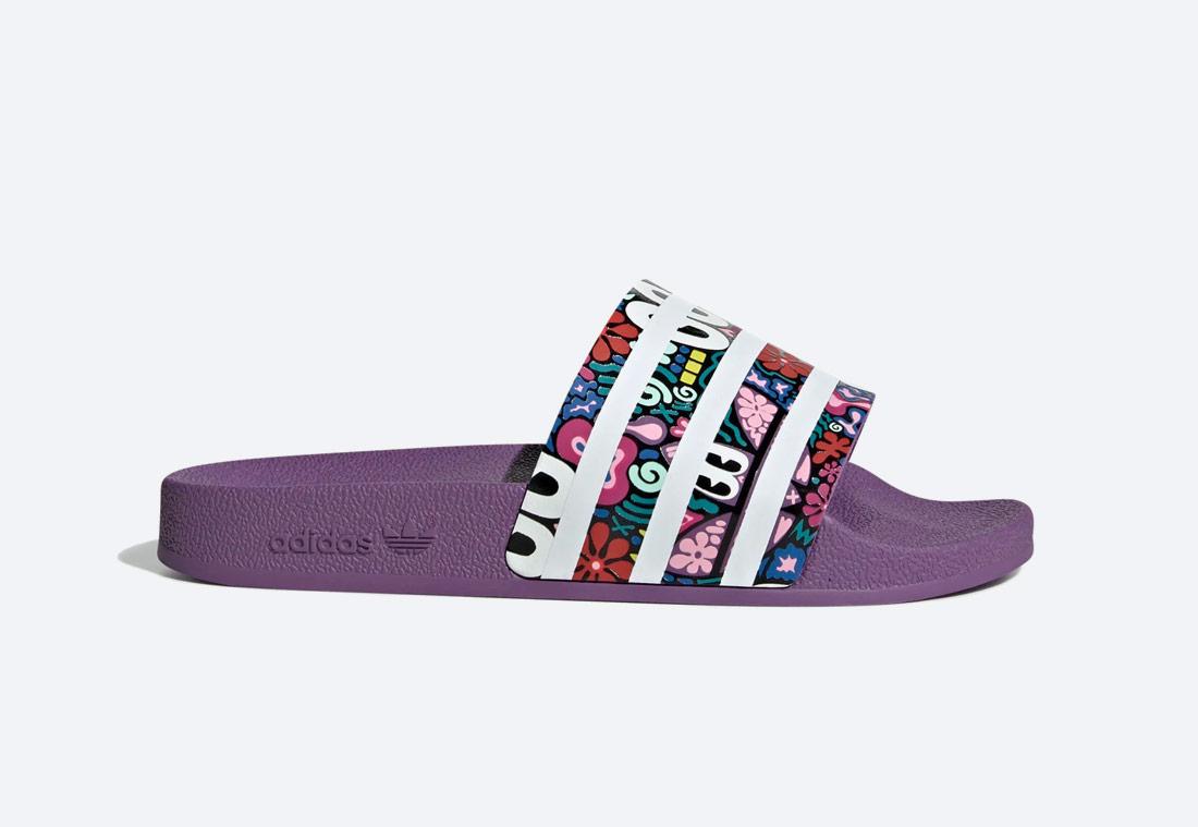 adidas Originals Adilette — pantofle — dámské — fialové s potiskem na pásku, barevné — nazouváky — slides