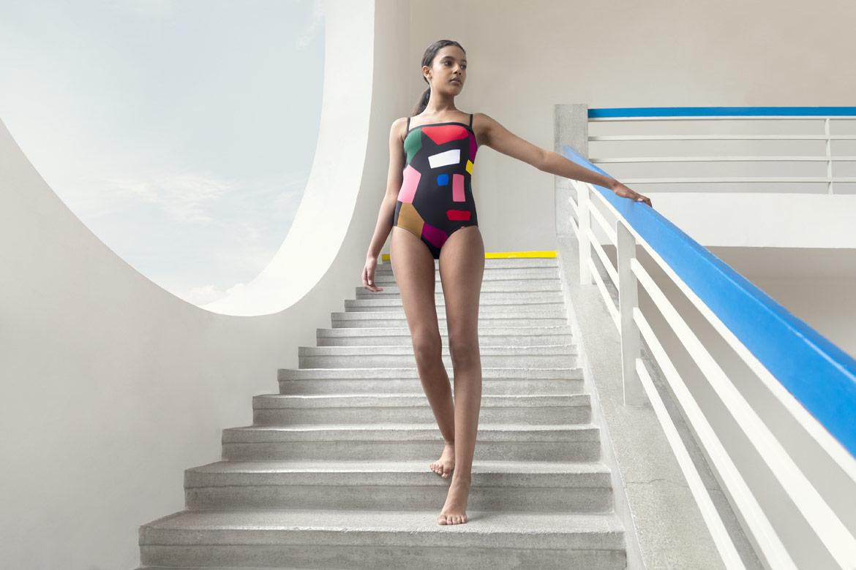 Plove — dámské jednodílné plavky — černé, barevné