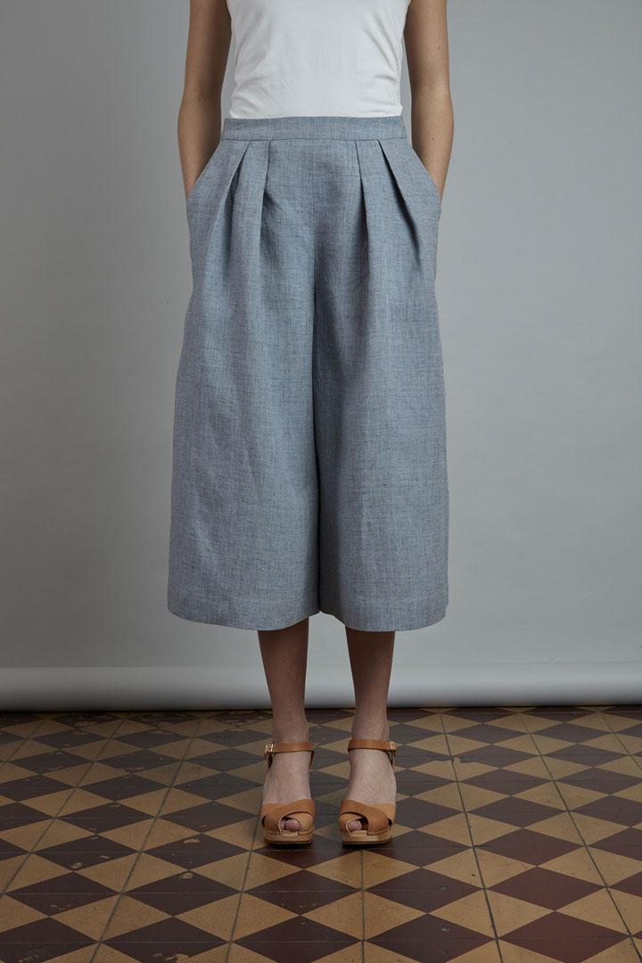 SISTERSCONSPIRACY — lněná kalhotová sukně — letní — světle modrá — kolekce LEN