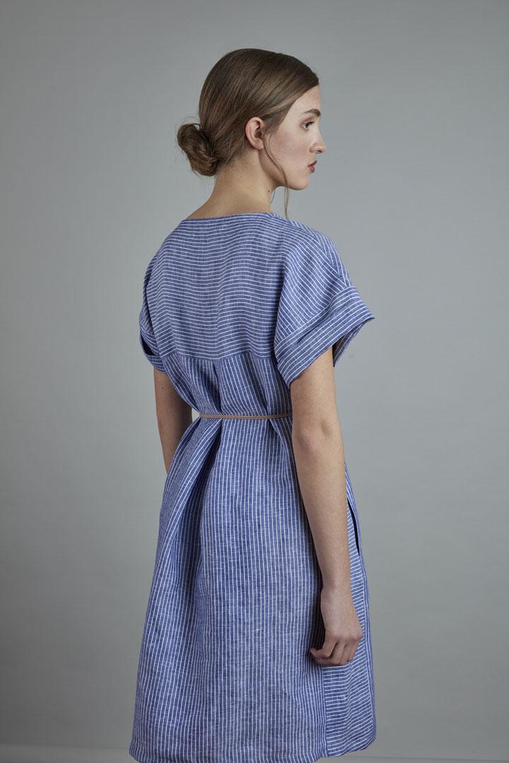 SISTERSCONSPIRACY — modré lněné letní šaty s bílými proužky — kolekce LEN
