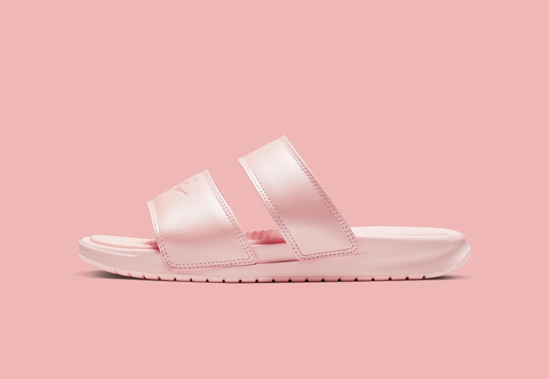 Dámské pantofle Nike Benassi Duo Ultra s dvojitým páskem
