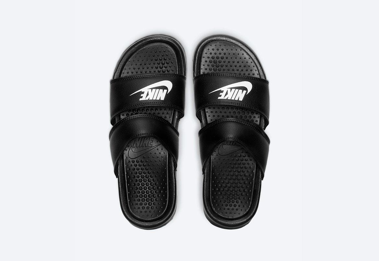 Nike Benassi Duo Ultra — dámské pantofle — černé (black) — nazouváky s dvojitým páskem