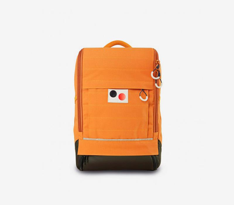 PINQPONQ — plátěný batoh z PET lahví — oranžový, okrový — Cubiq Small