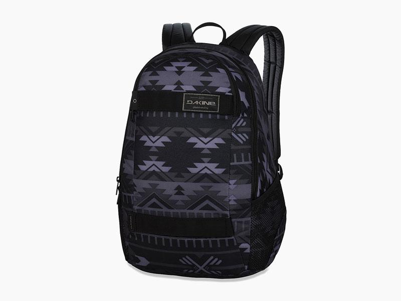 Dakine – studentský, školní a skate batoh na záda, černý se vzorem | Exit 20 l – Dakota