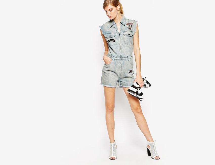 Dámský overal — džínový, dámský, špinavý vzhled, krátké nohavice, krátké rukávy — světle modrý, denim, jeans jumpsuit
