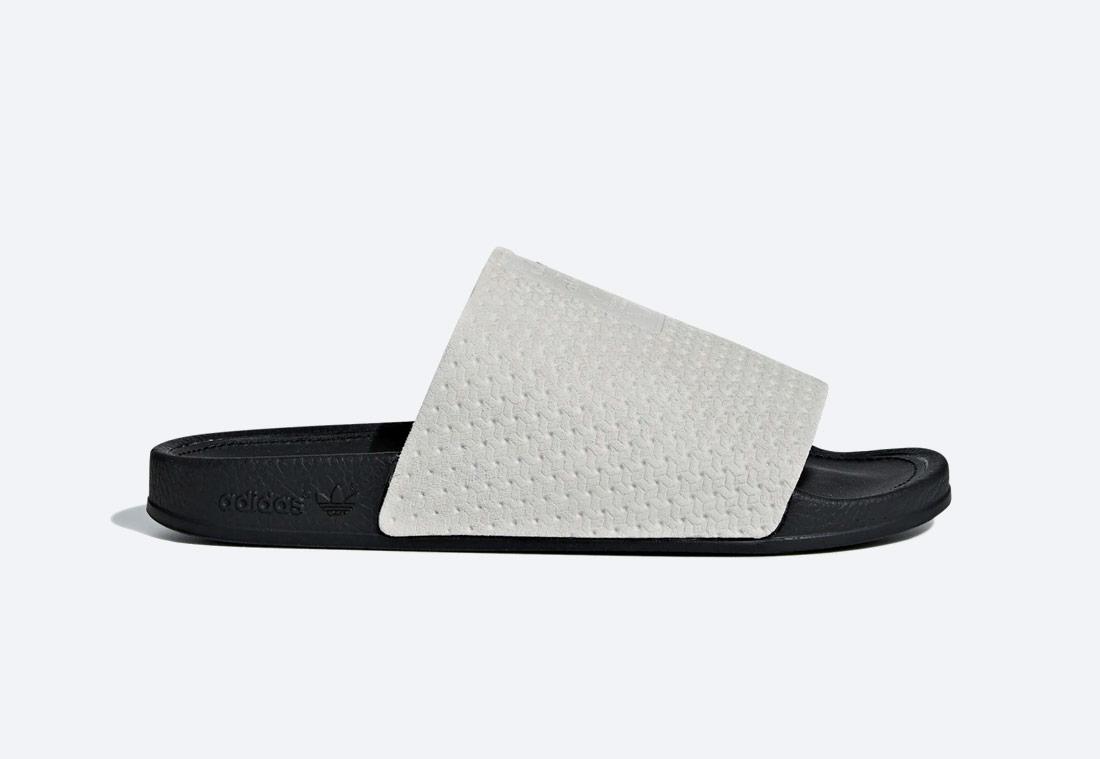 adidas Originals Adilette Luxe — pantofle — dámské — černo-bílé — nazouváky — slides