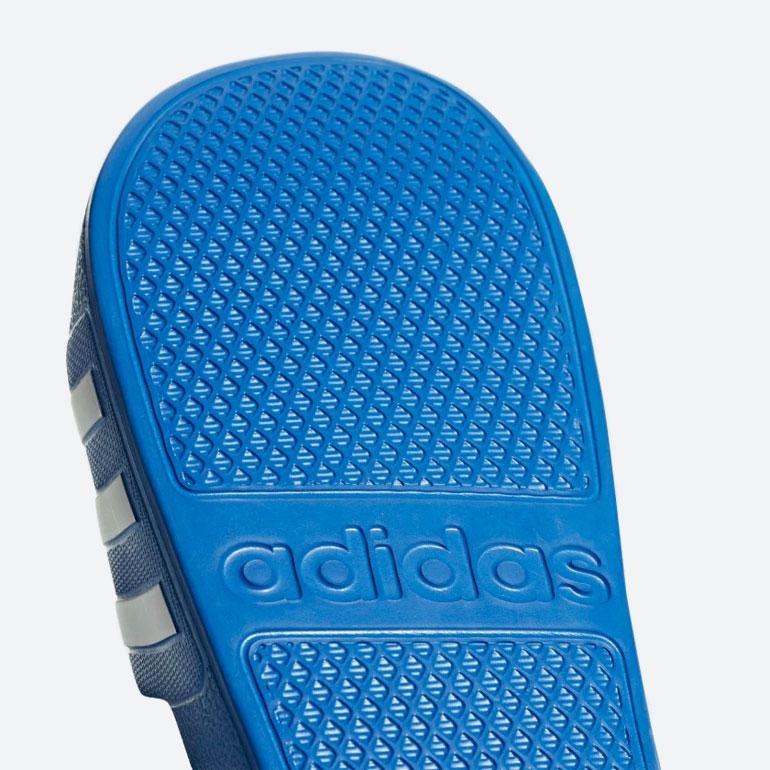 adidas Originals Adilette Aqua — pantofle — nazouváky — modré — dámské, pánské — slides — podrážka