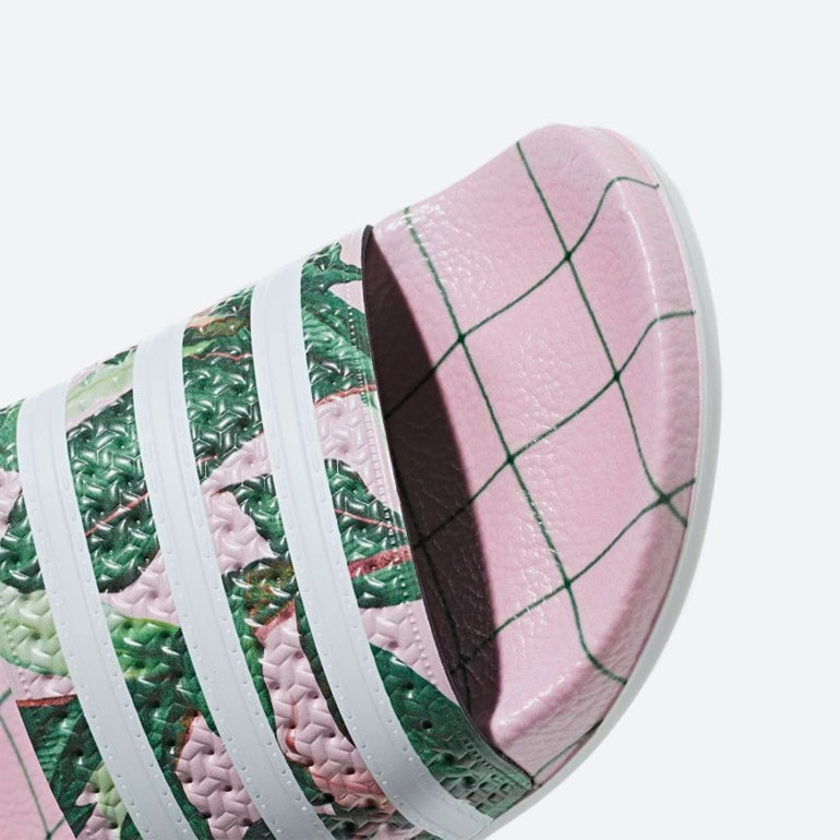 adidas Originals Adilette — pantofle — nazouváky — růžové, barevné — dámské — slides — detail pásku, stélky